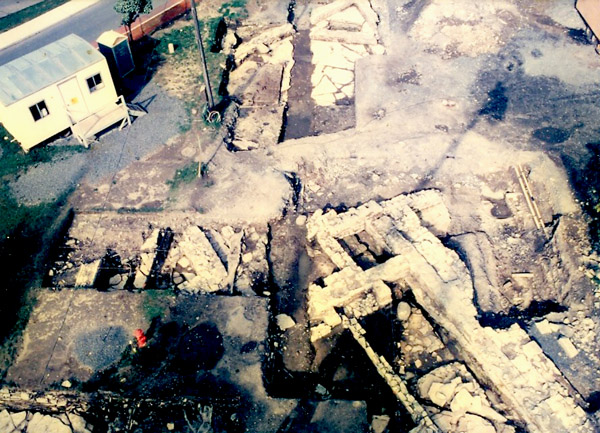 Excavations of the northwest bastion in 1983-1985 uncovered the trade store and barrack buildings along with large amounts of trade goods.